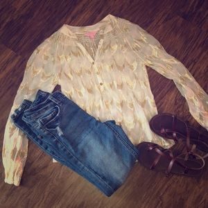 Extremely Cute and Style Lily Pulitzer Sheer Top🌸